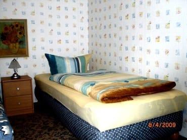 Ferienhaus Im Schlafzimmer zwei Betten