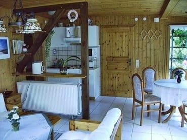 Wohnraum mit Küchenzeile