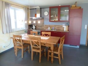 Einbauküche mit Geschirrspüler, Backofen, Dunstabzug et....