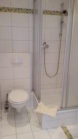 Dusche + WC