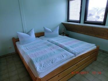 und Doppelbett