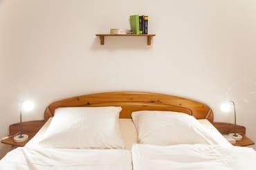ein Bett...