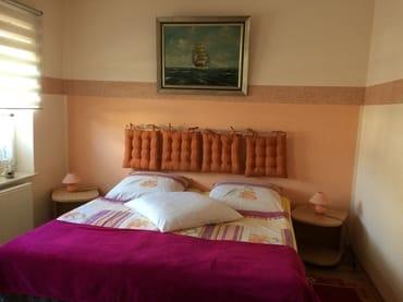 Schlafzimmer der großen Ferienwohnung