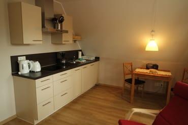 Einbauküche mit Geschirrspüler, Dunstabzug et....