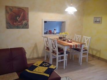 Das Wohnzimmer mit Eß-u. Couchecke