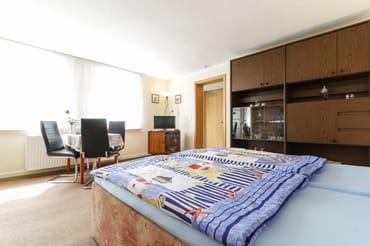 Wohn- / Schlafbereich mit Sitzecke
