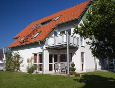 Aussenansicht - Terrasse und Garten