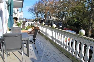 Ausblick Balkon, gegenüber der Kurpark