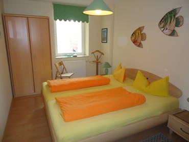 Ein großes Doppelbett läßt Sie super schlafen!