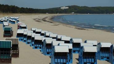 Nordstrand mit Strandkörben