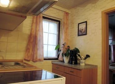 Kl. Küchenbereich Spüle/4Platten Herd