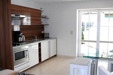 moderne Einbauküche, komplett ausgestattet