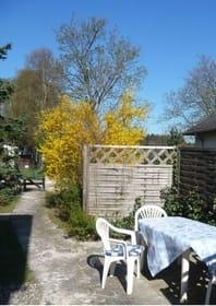 Sonnenterrasse mit Gartenanteil
