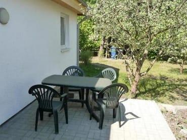 Terrasse und Gartenzugang