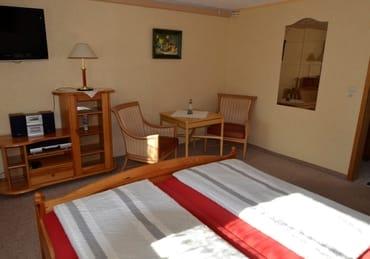 Zimmer 16 m² mit Sitzecke