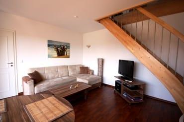 Wohnbereich mit 80cm-LCD-Fernseher, DVD