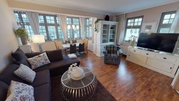 Die Wohnung Sturmmöwe liegt im ersten Stockwerk in südwestlicher Lage und bietet mit ihren 67qm ausreichend Platz für 4 Personen.