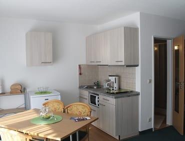 Essbereich 2-Raum mit neuer Küchenzeile