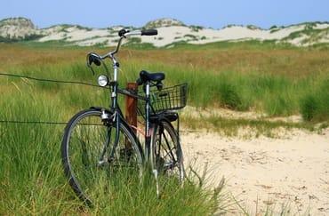 Fahrradfahren auf dem Deich - Stunden .... und immer die Ostsee im Blick !!
