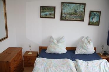 Schlafzimmerbetten mit höhenverstellb. Lattenrosten