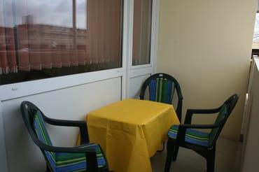 Balkon/Loggia mit Sitzgelegenheit