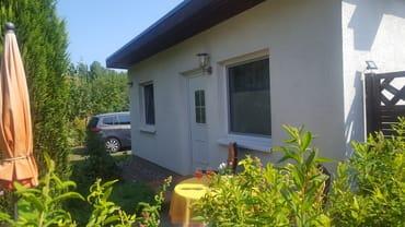 Ferienhaus mit Terrasse und Parkplatz