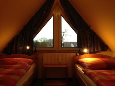 Kinderzimmer mit 2 Einzelbetten