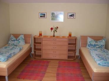 Schlafzimmer 2 mit getrennten Betten