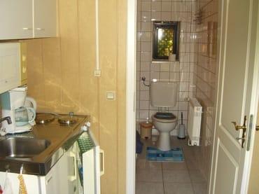 Küche und Zugang zum WC