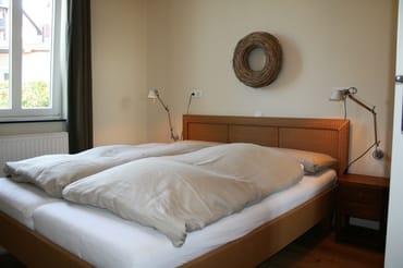 Schlafzimmer Nr. 2 mit Doppelbett 180 x 200 cm