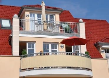 Blick auf den schönen Balkon