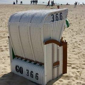 Eigener Strandkorb am Hauptstrand in der Saison (01.05.-30.09.) für unsere Gäste inklusive.