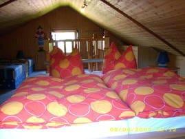 Schlafzimmer (oben) schräger Dachgiebel