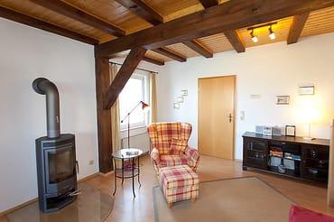 Wohnzimmer mit Leseplatz
