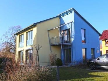 """Hausansicht  Ferienwohnung """"Meer"""" mit Balkon in Südost-Lage  im 1. Obergeschoss"""