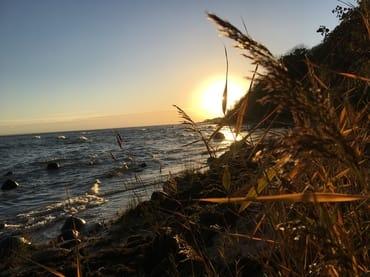 abwechslungsreiche Strandbereiche und romantische Sonnenuntergänge
