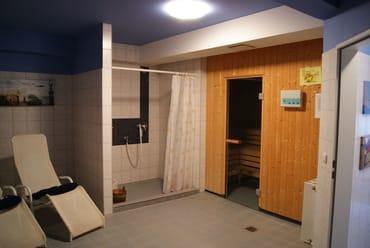 Die Sauna - Gäste tragen sich für eine exklusive Nutzung ein