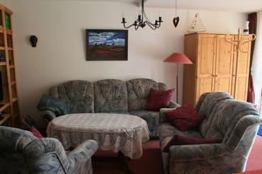 3-Sitzer (ausziehbar zum Schlafen), 2-Sitzer und Sessel zum Relaxen