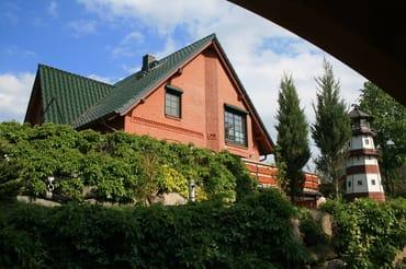 Blick auf das Haus und den Leuchtturm