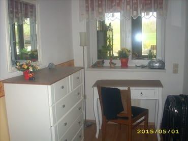 Schreibtisch im zweiten Schlafzimmer