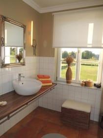 Ihr Bad - Waschtisch mit viel Ablagefläche
