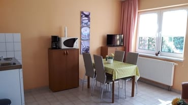 Küche unserer Ferienwohnung in Pantow auf Rügen zwischen Zirkow und Binz