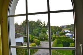 Blick aus einem der Fenster in Richtung Ostsee