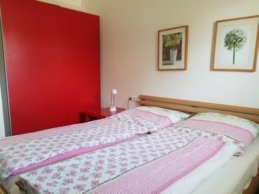 OG Schlafzimmer 2  mit Doppelbett