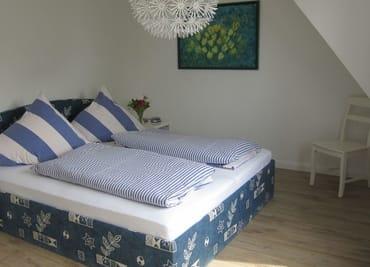 OG Schafzimmer 1  mit Doppelbett