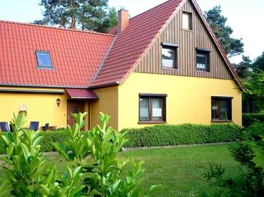 Unser Haus mit Grundstück ca. 800 qm, mit sep. Terrasse, Parkplatz f. PkW