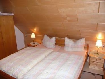 zweiter Schlafraum mit Doppelbett