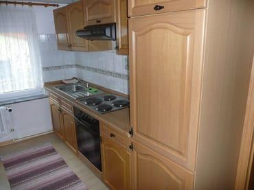 Küche mit kompletter Küchenzeile