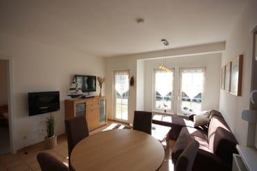 Wohnbereich mit Flachbildfernseher