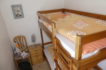 Kinderzimmer mit Betten  90  x  200 cm